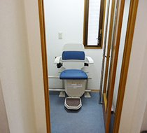 神奈川県川崎市/N歯科医院 屋内曲がり階段の設置事例