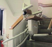 愛知県豊橋市/N邸 <p>屋内曲がり階段</p>の事例