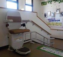 奈良県北葛城郡/某介護施設 <p>屋内曲がり階段</p>の事例